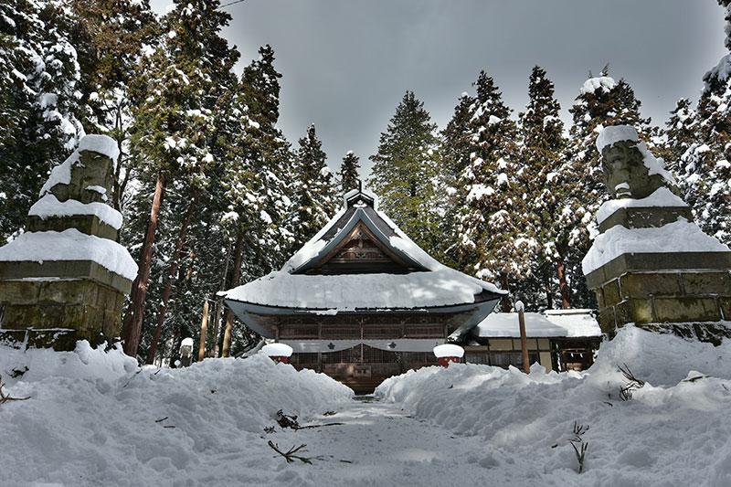 冬の守田神社