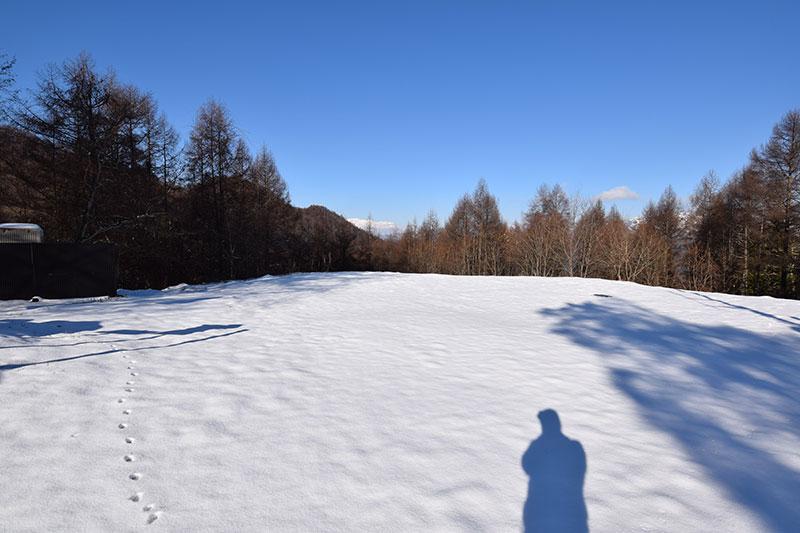 冬の陣場平の地蔵峠