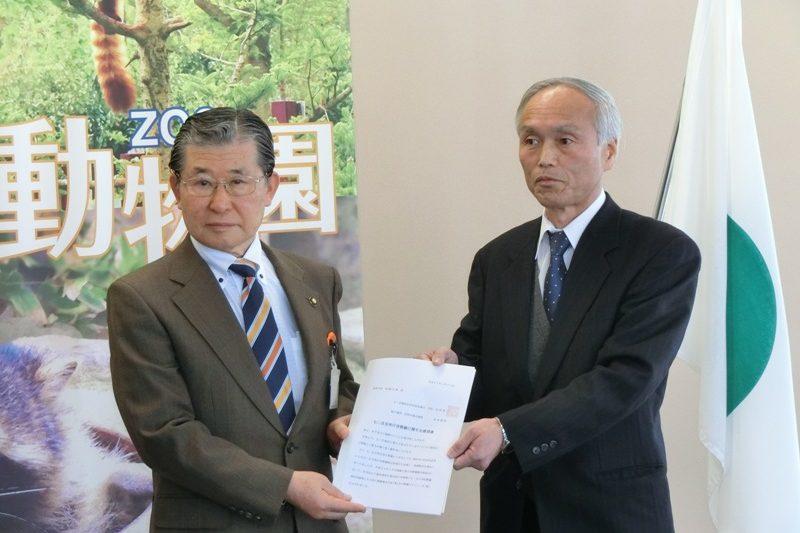七二会支所庁舎整備に関する要望書を加藤長野市長に提出しました