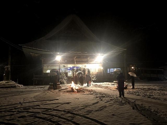 雪の守田神社二年参り ②