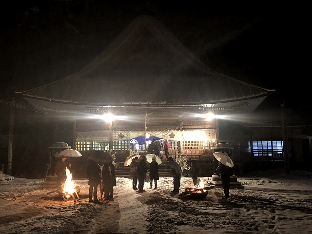 雪の守田神社二年参り ④